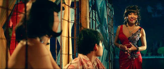 Hữu Châu bất lực nhìn Nam Em bị cưỡng hiếp trong trailer Lô Tô - Ảnh 8.