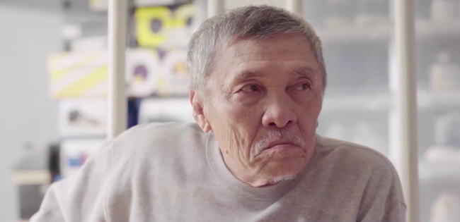 Clip hot: Tay chơi sneaker đỉnh nhất thế giới hóa ra đã đáng tuổi ông của bạn! - Ảnh 2.