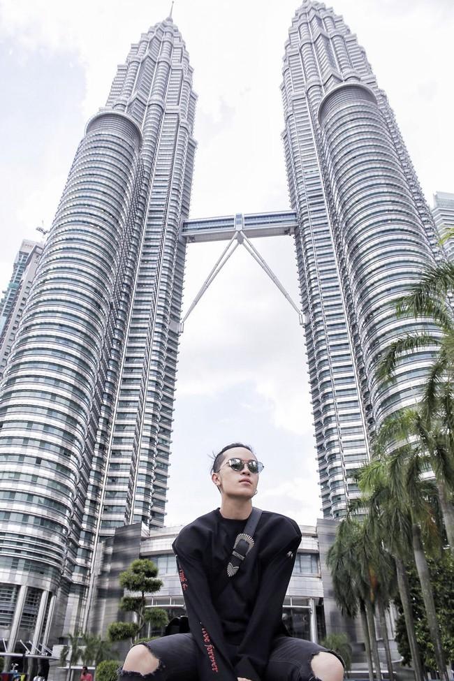 An Nguy, Quỳnh Anh Shyn, Châu Bùi... đồng loạt phô diễn street style đáng ngắm trên đất Malaysia - Ảnh 10.