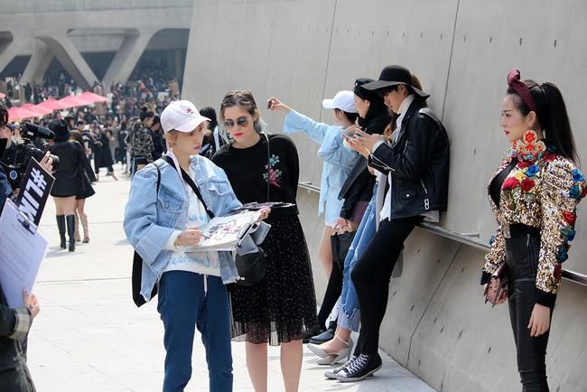 Ngoài Sơn Tùng & Tóc Tiên, Seoul Fashion Week mùa này còn nhiều gương mặt thân quen từ Vbiz - Ảnh 4.