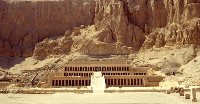 Là nữ Pharaoh vĩ đại nhất Ai Cập cổ đại nhưng tên của bà lại vĩnh viễn bị lãng quên. Tất cả là vì... - Ảnh 6.
