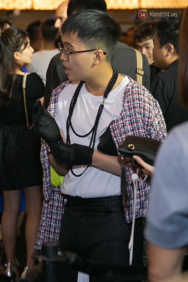 Lông mày lá dừa, con trai mặc đầm xuyên thấu: VIFW 2017 mới 2 ngày đã hội tụ đủ thời trang lạ! - Ảnh 7.