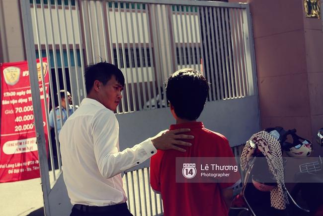 Chủ tịch Công Vinh đề xuất sửa nhà vệ sinh sân Thống Nhất phục vụ người hâm mộ - Ảnh 1.
