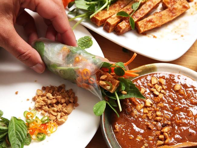 Sự kết hợp với đậu phụ tạo nên những món ăn vừa lạ, vừa độc đáo mà lại vừa ngon - Ảnh 7.