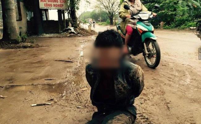 Trộm 6 con chó xong xuôi, quay lại lấy thêm máy bơm bị dân tóm gọn - Ảnh 1.