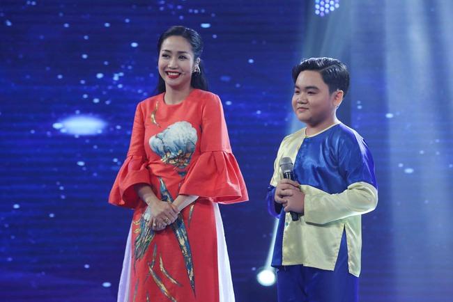 Cô bé Nghệ An khiến mẹ bật khóc trên truyền hình, khán giả bật dậy vỗ tay - Ảnh 15.