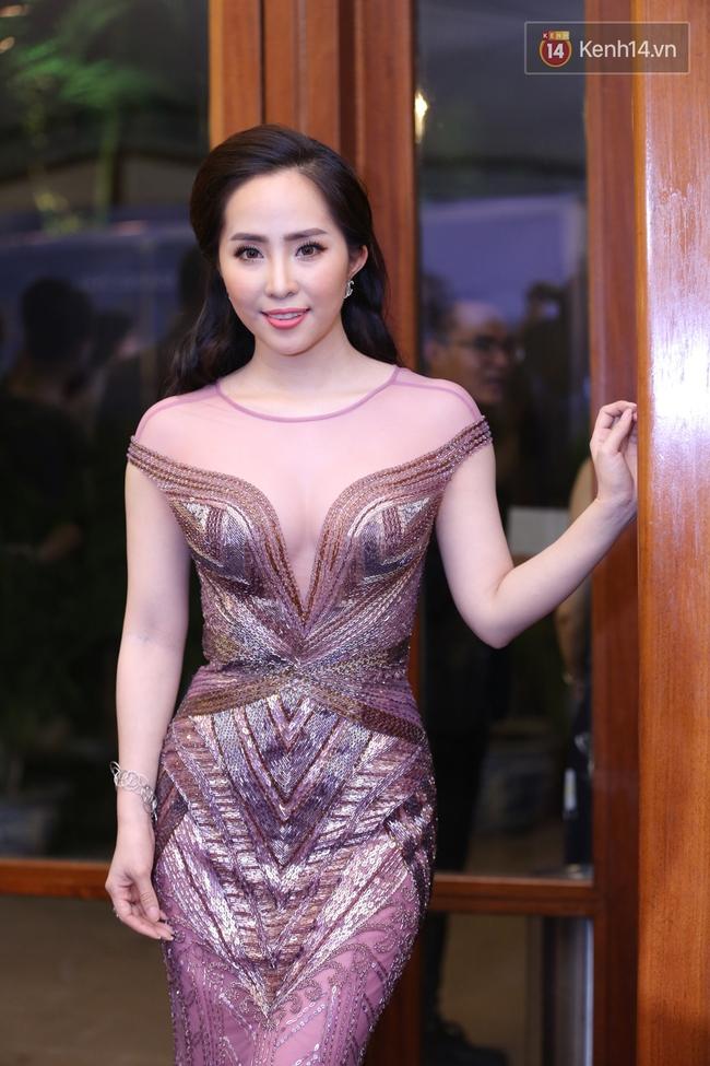 Hoa hậu Mỹ Linh đẹp dịu dàng, Tú Anh dừ bất ngờ, Mai Phương Thúy tái xuất trên thảm đỏ show Hoàng Hải - Ảnh 11.