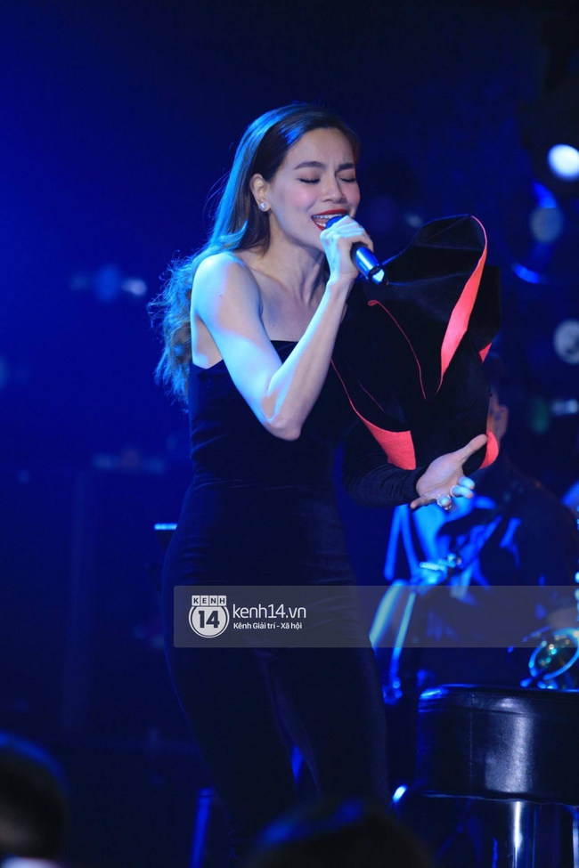 Gác bỏ mọi lùm xùm với Minh Hằng, Hà Hồ cháy hết mình với liveshow kỉ niệm 1 năm sau Love Songs - ảnh 9