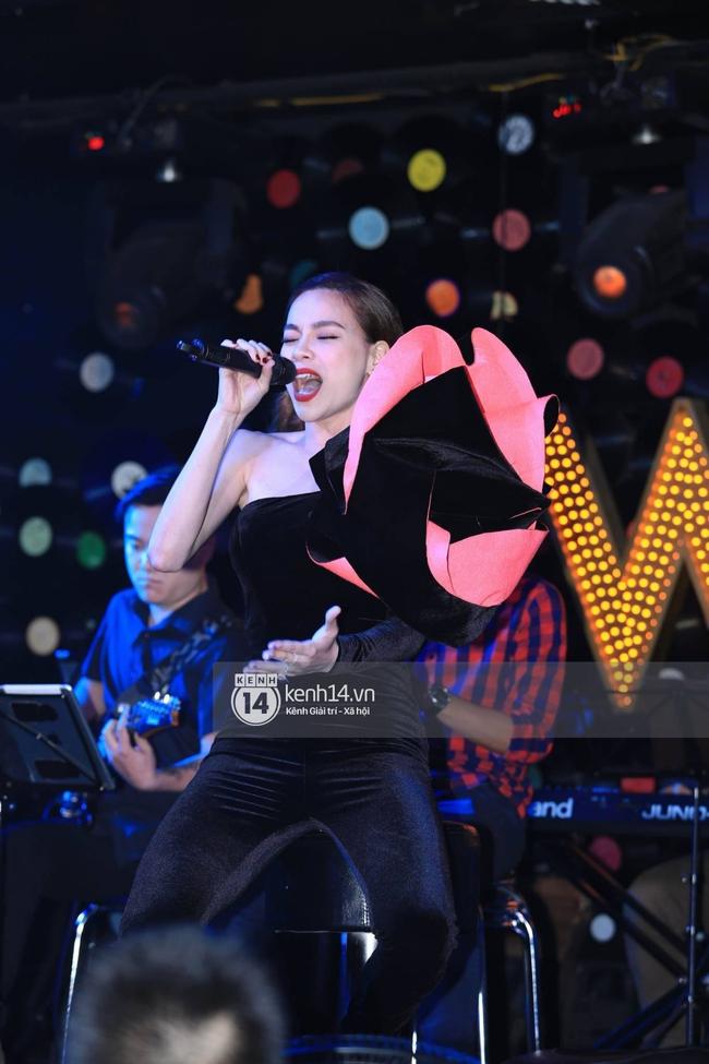 Gác bỏ mọi lùm xùm với Minh Hằng, Hà Hồ cháy hết mình với liveshow kỉ niệm 1 năm sau Love Songs - ảnh 3