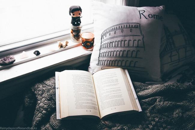 Yêu lại người yêu cũ thì sao? Quyển sách đọc đi đọc lại vẫn hay thì cứ đọc thôi! - Ảnh 1.