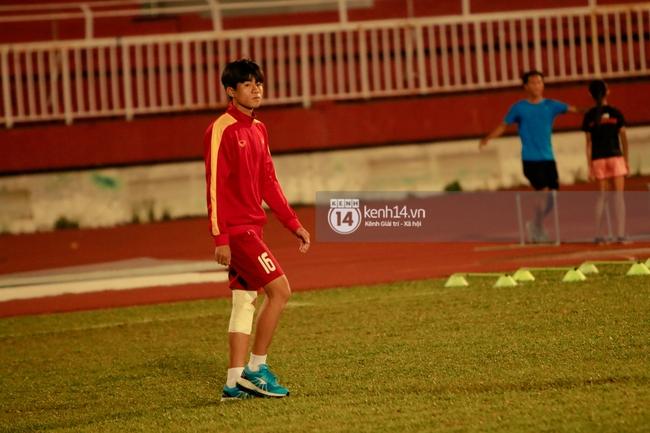 Vỡ mộng World Cup, thần đồng của bầu Đức buồn não nề trong buổi tập của U20 Việt Nam - Ảnh 2.