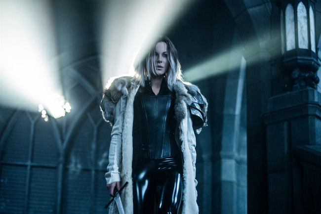 underworld-blood-wars-11-1484075118652.j