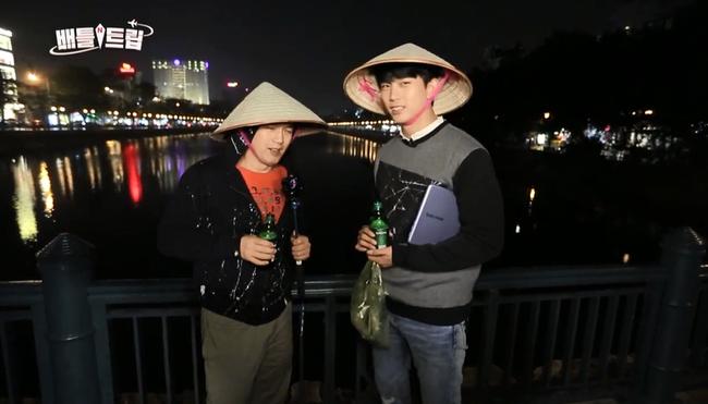 Clip: Taecyeon (2PM) nhăn mặt khi ăn phở cay, thích thú đi nhậu tại Việt Nam! - Ảnh 15.