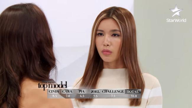 Phạm Hương & Pia: Hai nàng Hoa hậu gây tranh cãi khi chấm thi show người mẫu - Ảnh 10.