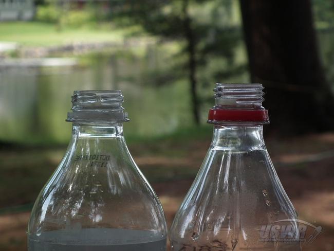Ai cũng thấy miệng chai nước có những đường gồ đứt đoạn nhưng lý do tồn tại của chúng thì mấy ai hay - Ảnh 2.