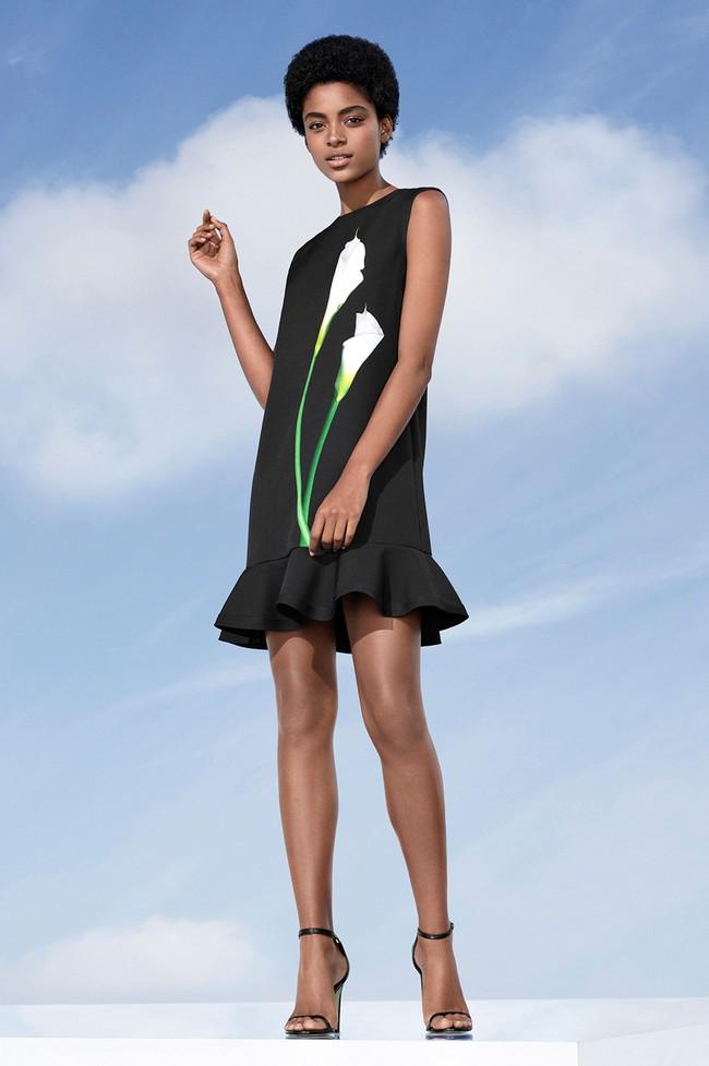 Lần đầu tiên trong đời, Victoria Beckham ra đường chỉ với một trang phục giá hơn 1 triệu đồng! - Ảnh 6.