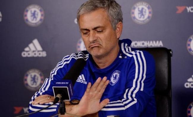 Đừng tự dối lòng nữa, chúng ta đang phải chịu đựng Mourinho - Ảnh 1.
