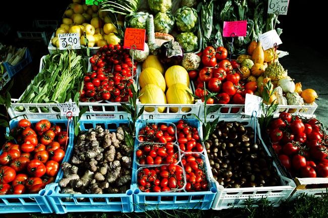Thấy 5 biểu hiện sau, hãy xem lại việc ăn uống của mình ngay vì có thể bạn đang thiếu vitamin nghiêm trọng - Ảnh 3.