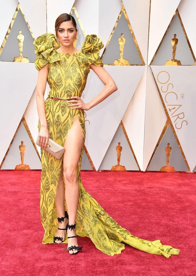 Oscar 2017: Bên cạnh loạt váy áo đẹp lộng lẫy cũng không thiếu những bộ làm tụt cảm xúc - Ảnh 17.