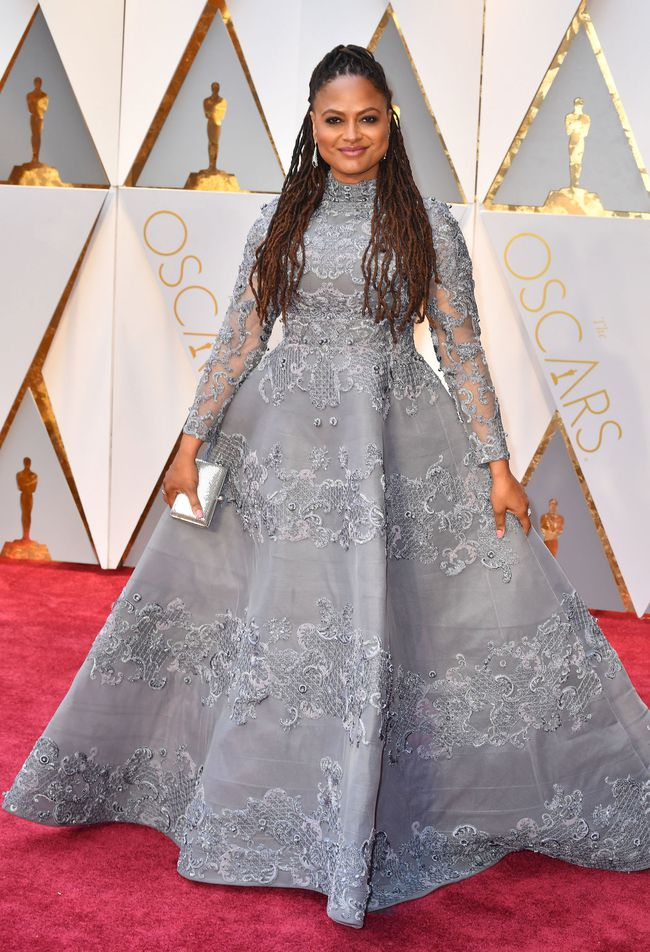Oscar 2017: Bên cạnh loạt váy áo đẹp lộng lẫy cũng không thiếu những bộ làm tụt cảm xúc - Ảnh 20.