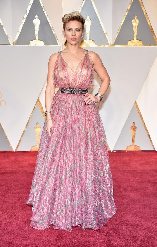 Oscar 2017: Bên cạnh loạt váy áo đẹp lộng lẫy cũng không thiếu những bộ làm tụt cảm xúc - Ảnh 15.