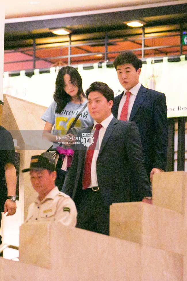 Sau 1 ngày hoạt động liên tục, Yoona vẫn vui vẻ vẫy tay chào tạm biệt fan Việt trước khi trở về Hàn - Ảnh 7.