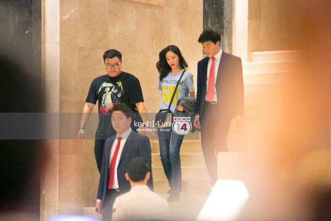 Sau 1 ngày hoạt động liên tục, Yoona vẫn vui vẻ vẫy tay chào tạm biệt fan Việt trước khi trở về Hàn - Ảnh 6.