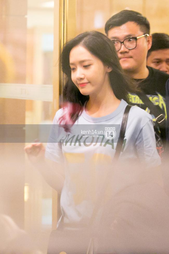 Sau 1 ngày hoạt động liên tục, Yoona vẫn vui vẻ vẫy tay chào tạm biệt fan Việt trước khi trở về Hàn - Ảnh 2.