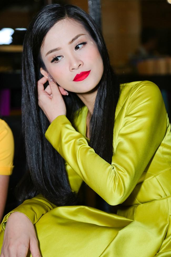 Đông Nhi mê mệt con gái của học trò Giáng My (The Voice) trong hậu trường - Ảnh 2.
