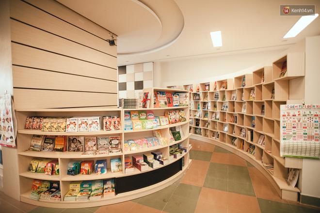 Nhà sách tuyệt đẹp mà bạn có thể nằm dài đọc truyện và chụp ảnh thoải mái tại Sài Gòn - Ảnh 12.