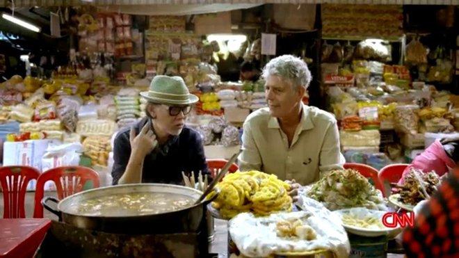 Từ bánh mì Hội An đến bún chả Hà Nội, người đàn ông ngồi cùng bàn Obama đã phải lòng Việt Nam theo cách đó... - Ảnh 5.