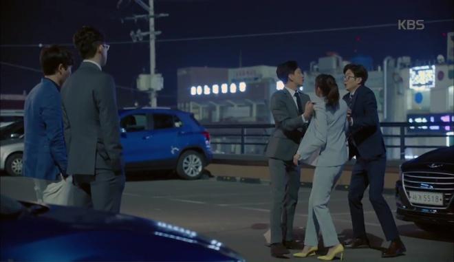 Park Seo Joon ôm chặt Kim Ji Won, mếu máo xin chơi chung - Ảnh 5.
