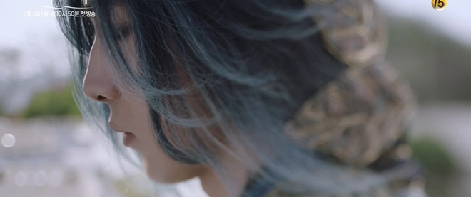 Thủy Thần Nam Joo Hyuk xõa tóc trắng bà nội vẫn đẹp quên sầu! - Ảnh 3.