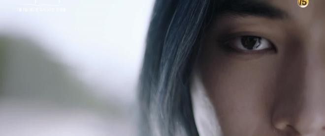 Thủy Thần Nam Joo Hyuk xõa tóc trắng bà nội vẫn đẹp quên sầu! - Ảnh 4.
