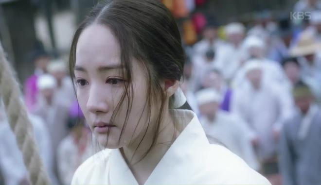 Đẹp rụng rời là thế, Park Min Young cũng có ngày khóc bệch mặt! - Ảnh 3.