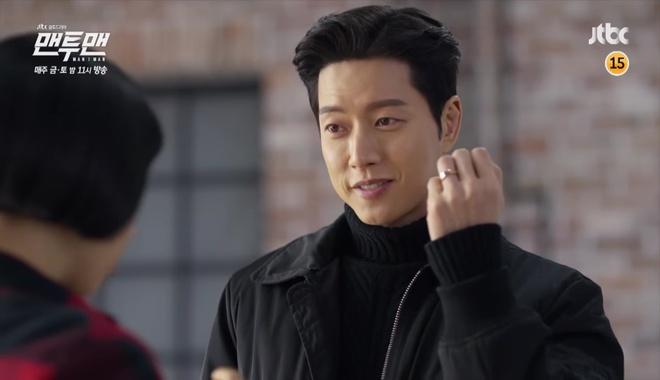 Man to Man: Vừa đeo nhẫn đôi, Park Hae Jin đã rút súng bắn người yêu! - Ảnh 3.