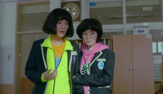 Không ai nghĩ Kim Ji Won cũng để được tóc Bok Joo xinh thế này! - Ảnh 4.