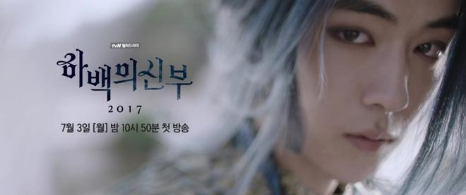 Thủy Thần Nam Joo Hyuk xõa tóc trắng bà nội vẫn đẹp quên sầu! - Ảnh 6.