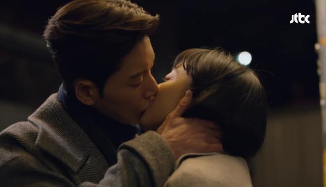 Man to Man: Vừa đeo nhẫn đôi, Park Hae Jin đã rút súng bắn người yêu! - Ảnh 9.