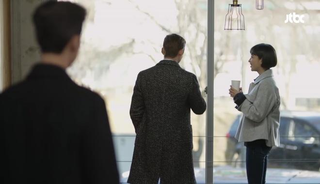 Man to Man: Vừa đeo nhẫn đôi, Park Hae Jin đã rút súng bắn người yêu! - Ảnh 27.