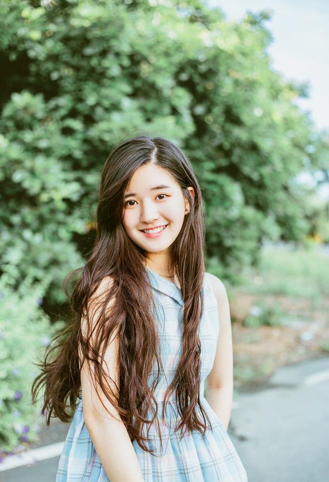 Cô bạn Trung Quốc với vẻ đẹp được ví như nắng sớm khiến người ta nhớ mãi không quên - Ảnh 1.