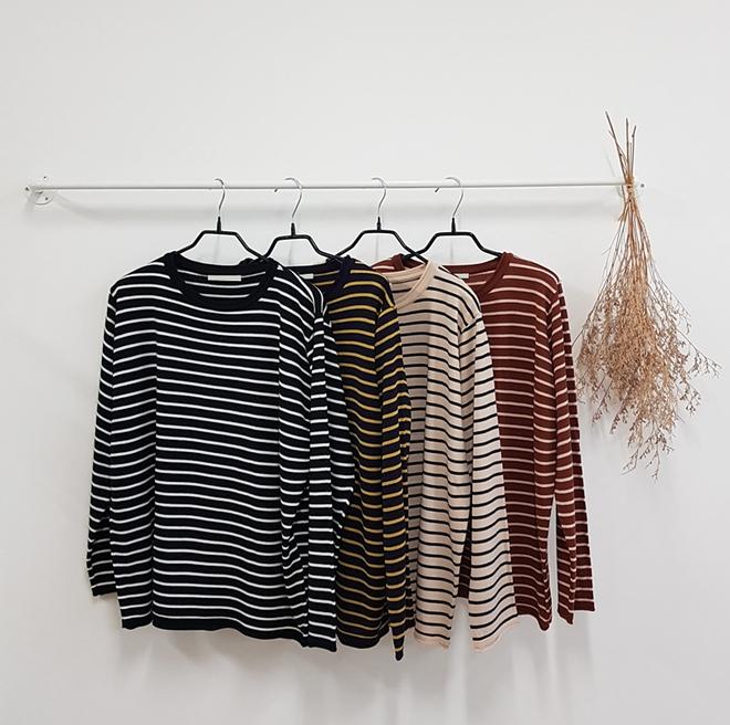 Áo kẻ ngang dài tay, item mặc thế nào cũng đẹp không thể thiếu trong tủ đồ thu của các nàng - Ảnh 3.