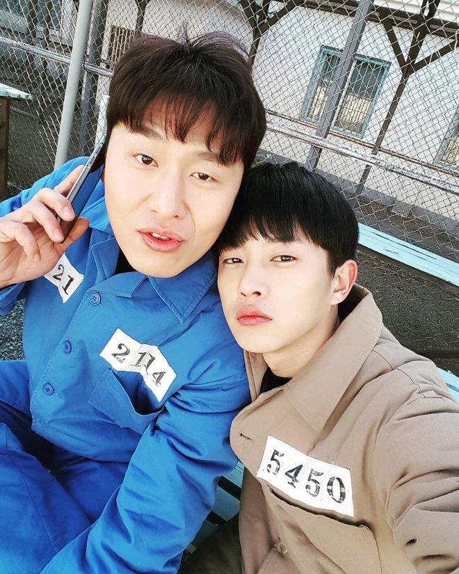 """Điểm mặt 6 hot boy mới nổi của màn ảnh Hàn được """"săn đón"""" vì quá đẹp trai - Ảnh 2."""