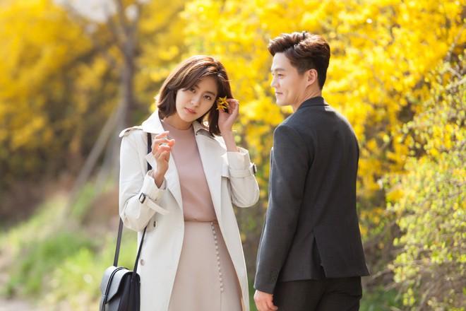 Sốc vì độ lệch tuổi ở các cặp đôi phim Hàn: Một giáp có là gì, giờ toàn 20 tuổi! - ảnh 8