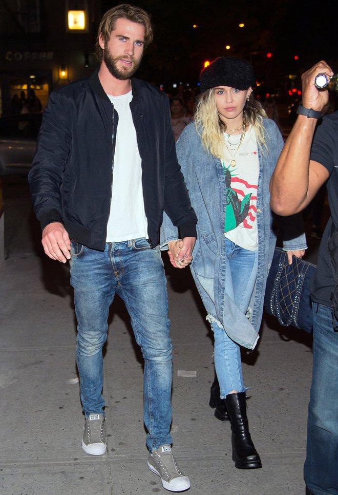 Tái hợp Liam cũng không thể ngăn Miley Cyrus chụp ảnh khỏa thân, để lộ cả vòng 3