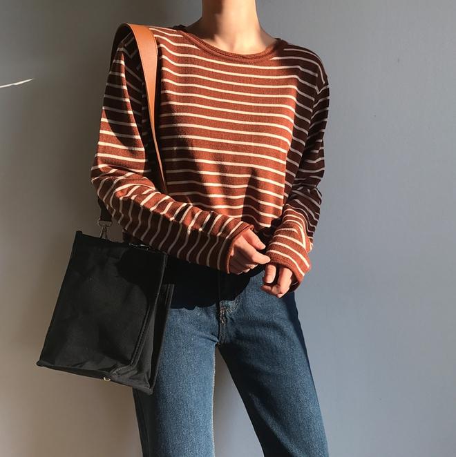 Áo kẻ ngang dài tay, item mặc thế nào cũng đẹp không thể thiếu trong tủ đồ thu của các nàng - Ảnh 7.