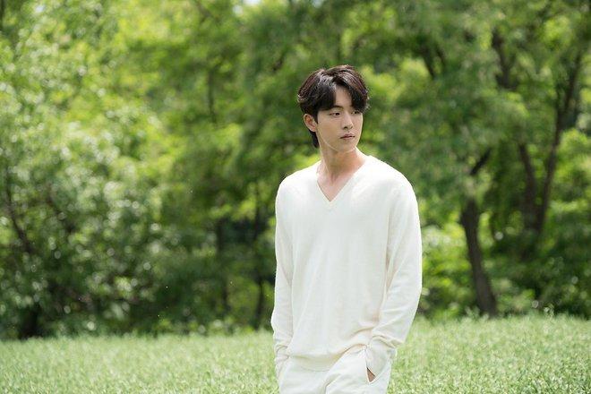 Bạn có biết: Thủy thần đẹp trai Nam Joo Hyuk lại chính là... Hà Bá! - Ảnh 5.