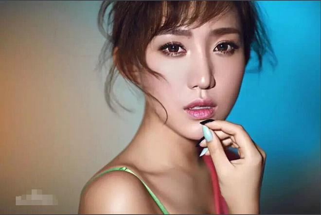 Nữ Chủ tịch đội bóng Trung Quốc được mệnh danh là sếp nữ xinh đẹp nhất thế giới - Ảnh 4.