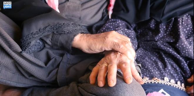 Chuyện cảm động của đôi vợ chồng già Syria: Mất hết tất cả trong chiến tranh, nhưng họ còn tình yêu - Ảnh 3
