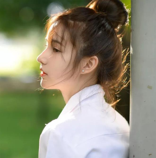Bị đồn đập mặt xây lại, tân Hoa hậu chuyển giới Thái Lan tung loạt ảnh quá khứ gây bất ngờ - Ảnh 12.